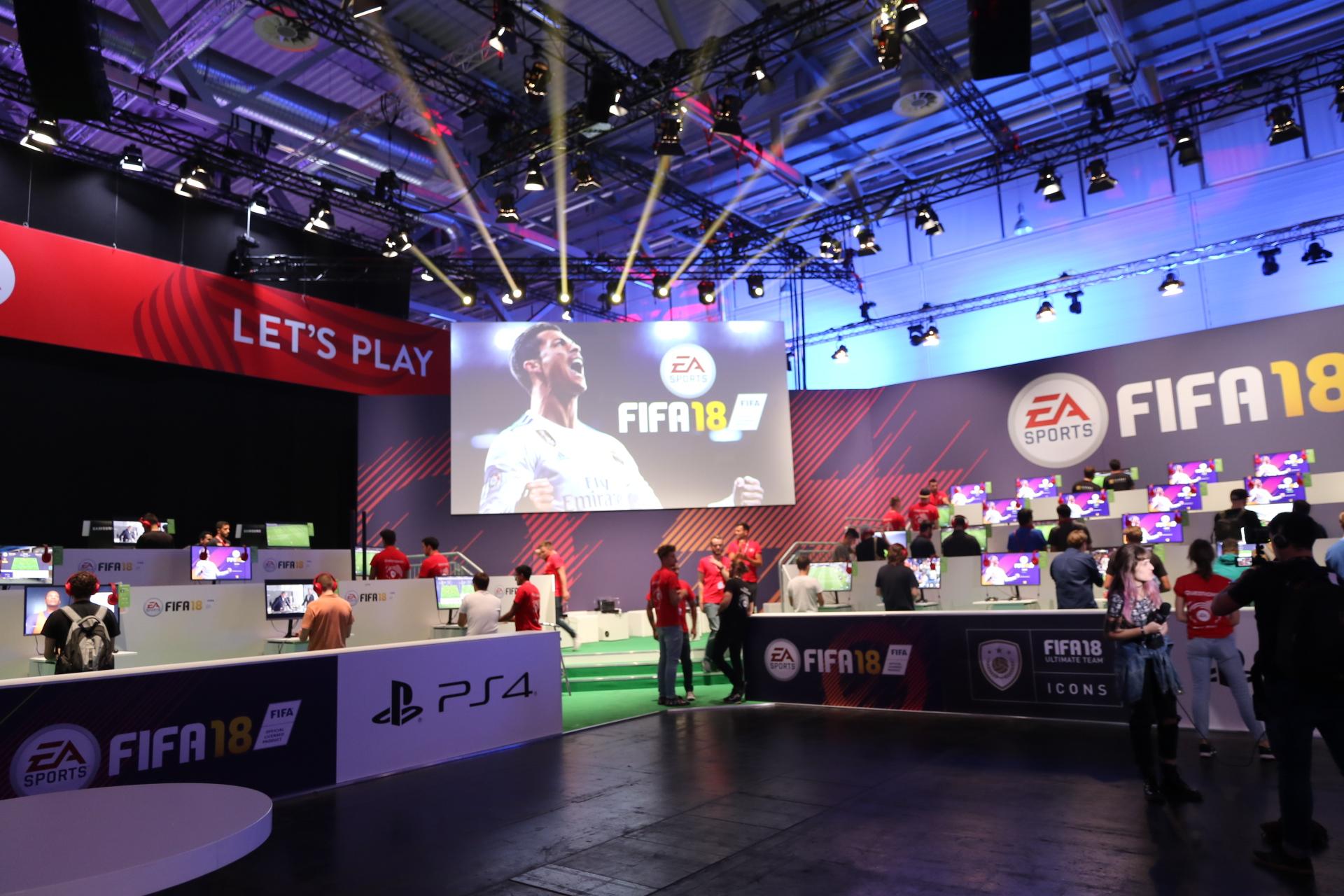 EA Stand FIFA 18 Gamescom