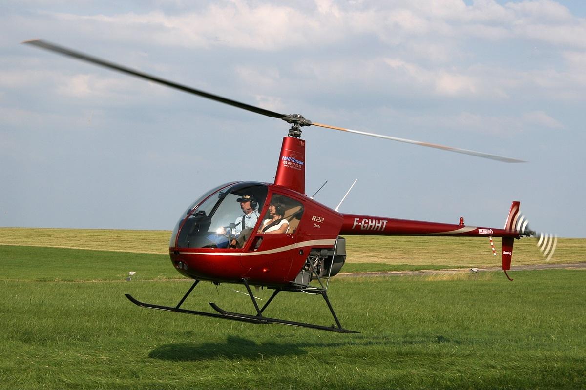 Elicottero R22 : Elicottero abbattuto da un drone nessun ferito ma è lecito