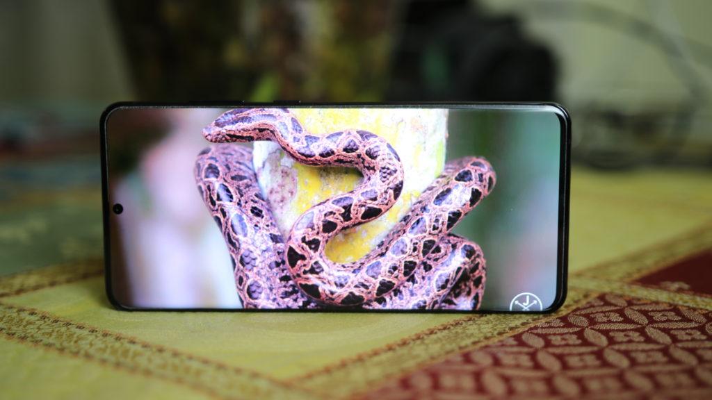 Galaxy S20 Ultra 5G Display Amoled