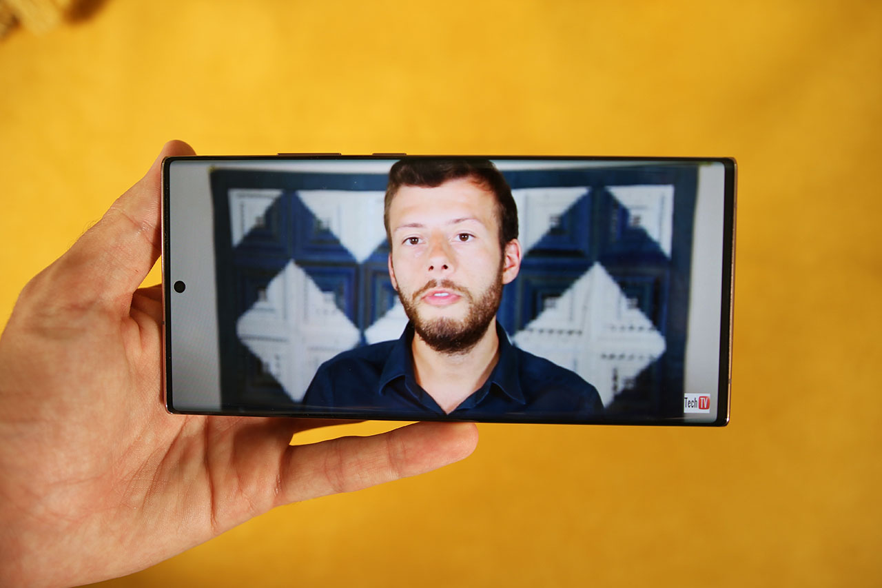 Galaxy Note 20 Ultra 5G Display Amoled