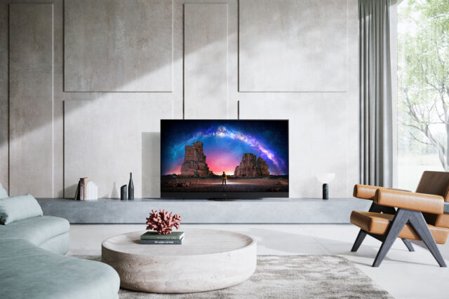 Panasonic HZ2000 TV OLED Salotto