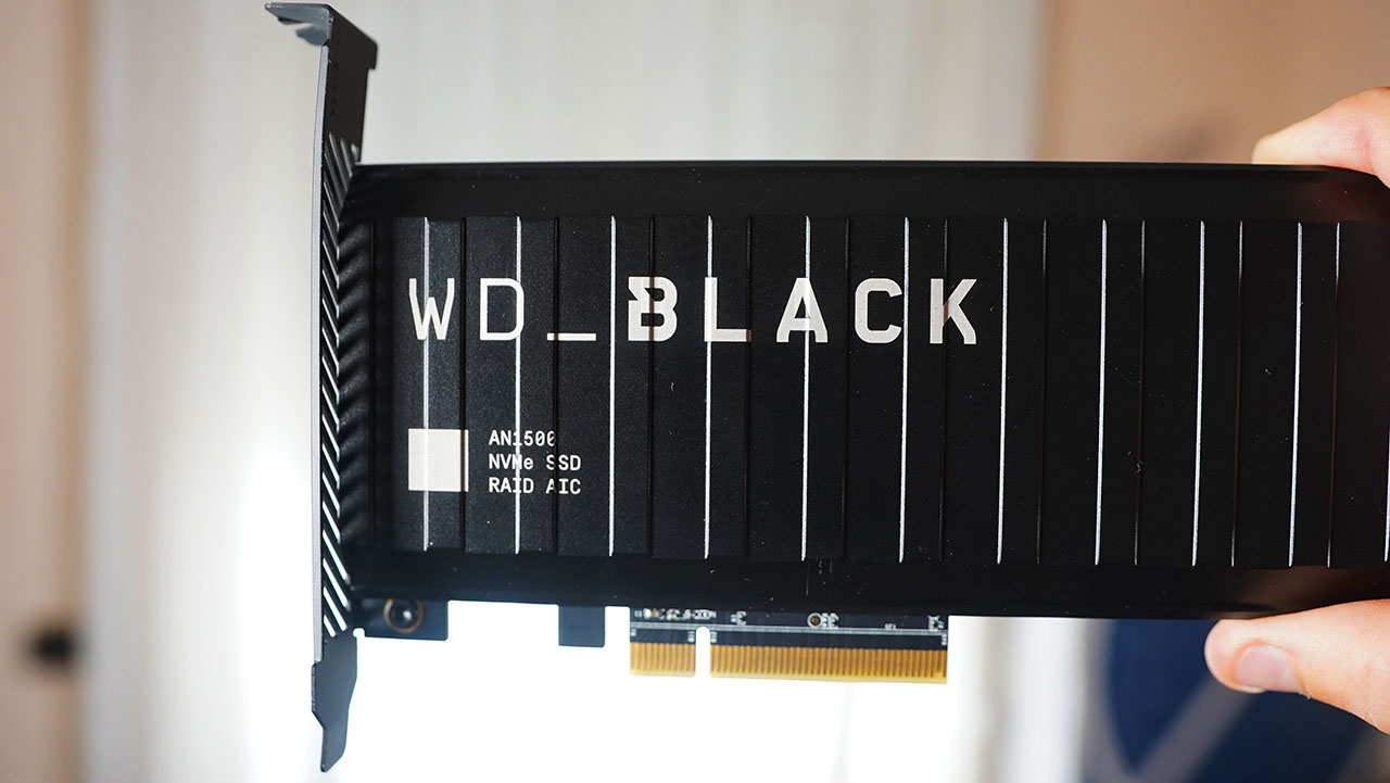 WD Black AN1500 Fronte Scocca